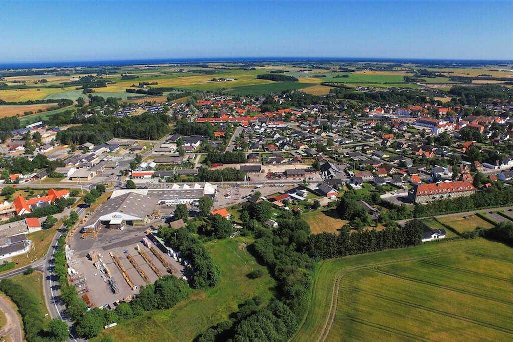 Dronninglund industrien og byen cover 1